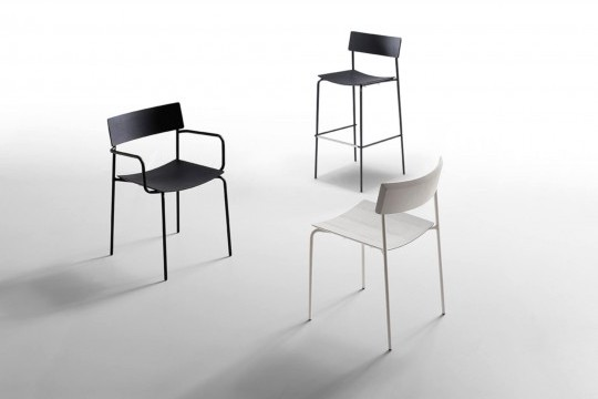Mito chair with white wooden seat and white metal frame
