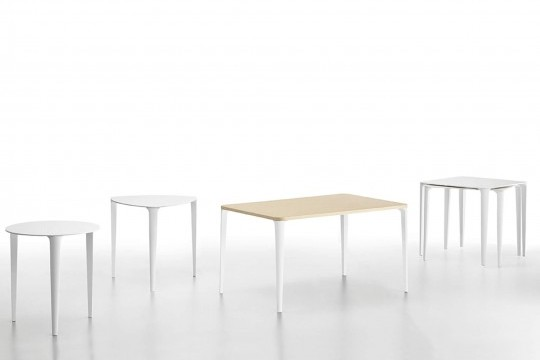Complete collection of Nenè tables in round, triangular, rectangular and square versions