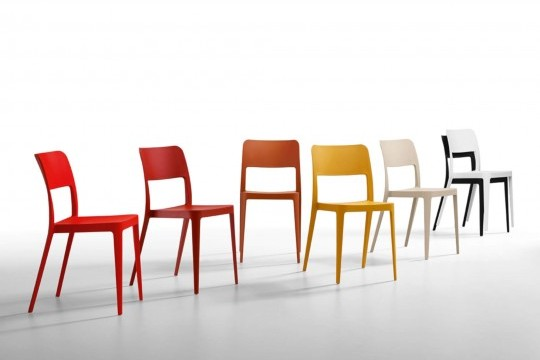 Nene chair with structure and seat in polypropylene