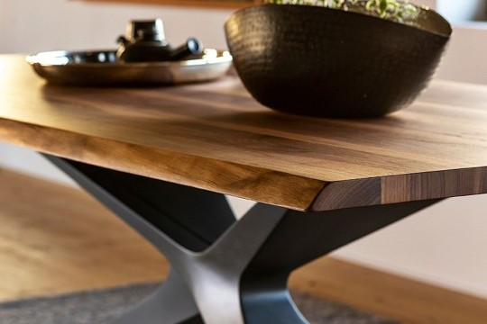 Detail of the solid wood top of the Nexus table