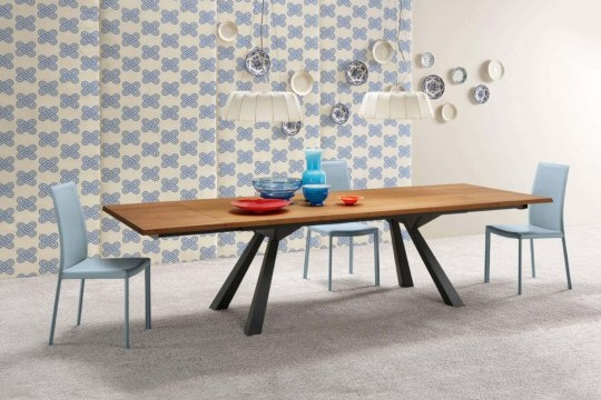 Nuvola table chair entirely covered in light blue hide