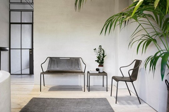 Ola indoor bench in steel with industrial effect