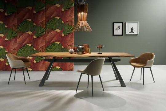 Sonny chaise de table avec base en métal et assise en cuir marron