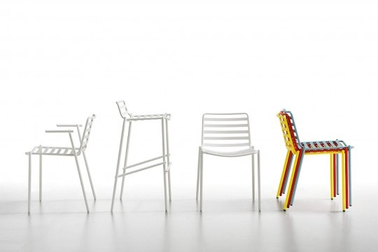Stackable wader chair up to four units. The chair is entirely made of painted metal