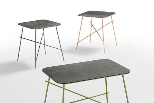 Set of three Walter coffee tables with colored metal legs and top in savoia anthracite color ceramic