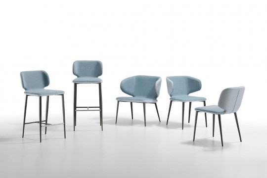 Wrap: the complete collection made by stools, lounge, armchair and chair