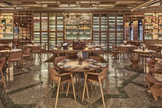 ristorante Turk Fatih Tutak con sedie suite di midj